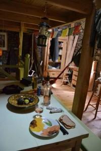 interieur-cabane-salle-a-manger